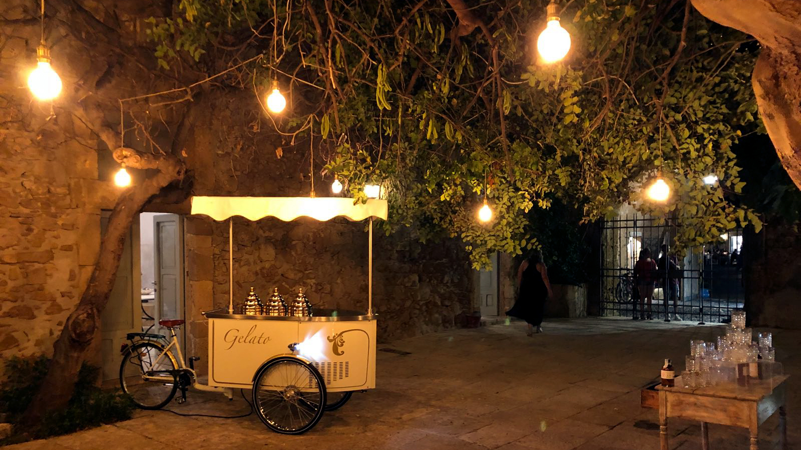 ice cream cart for wedding
